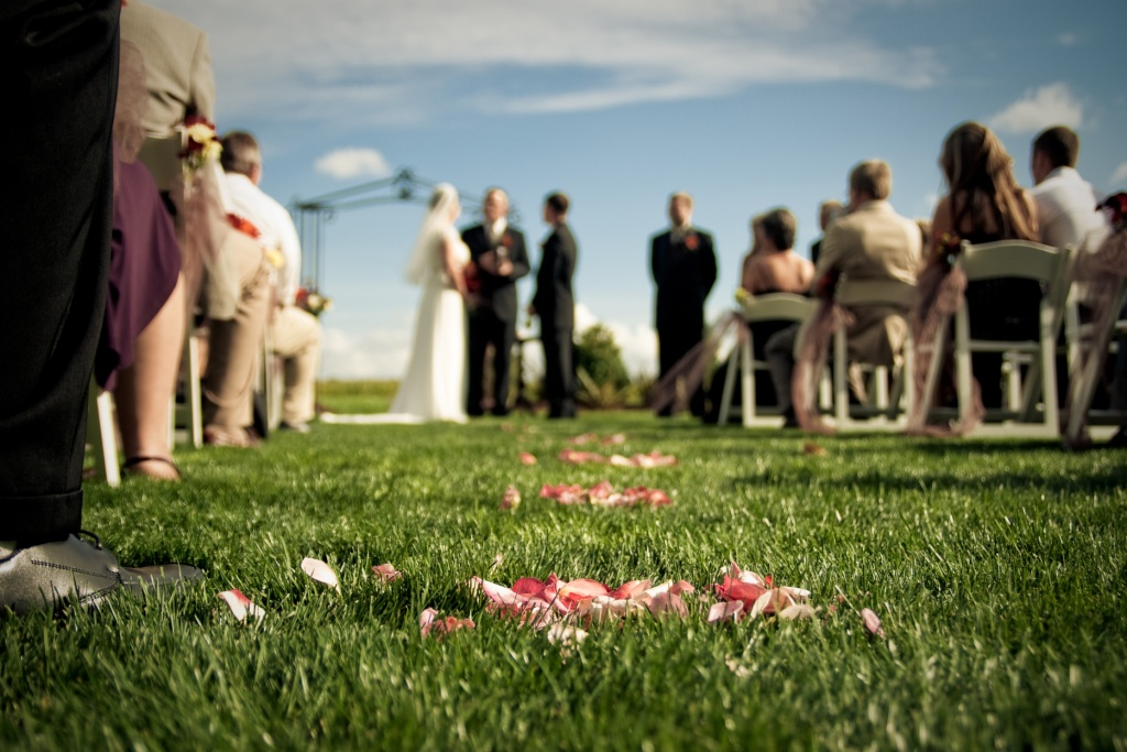 Wedding-ceremony-seating-ideas